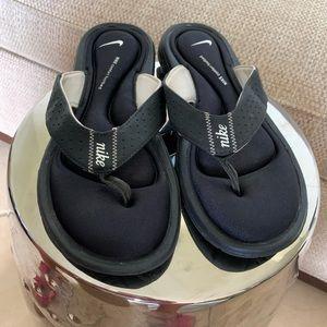 Nike comfort Footbed  Black Size 9
